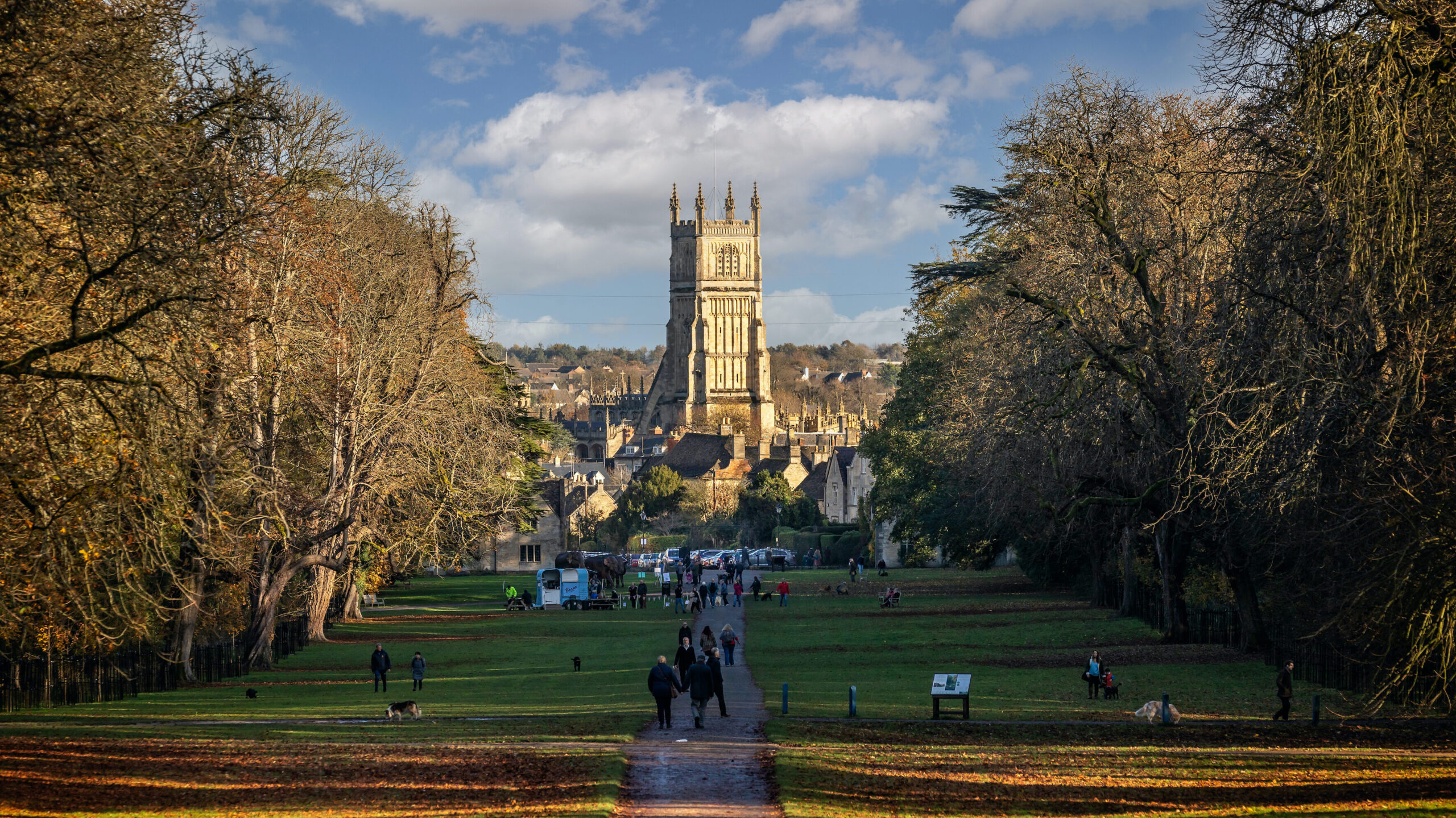 View,Looking,Towards,St,John,Baptist,Church,From,The,Avenue